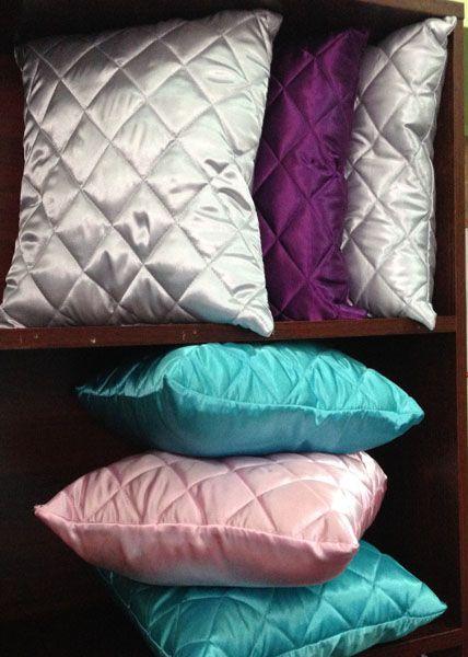 Подушка стёганная из атласа